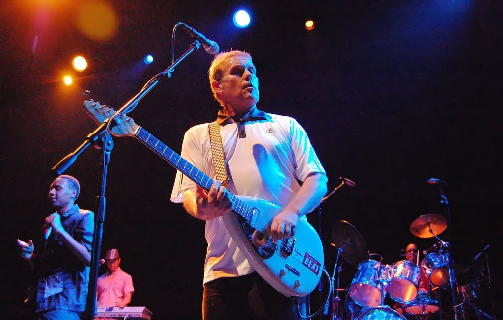Dave Wakeling's American version of The English Beat, live at Club Nokia, LA Live. Los Angeles, California. 31 July 2009. By Mykal Burns [CC-BY-2.0], via Wikimedia Commons